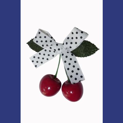 Hamilton Cherry Bow Hairclip by Banned - White/Black